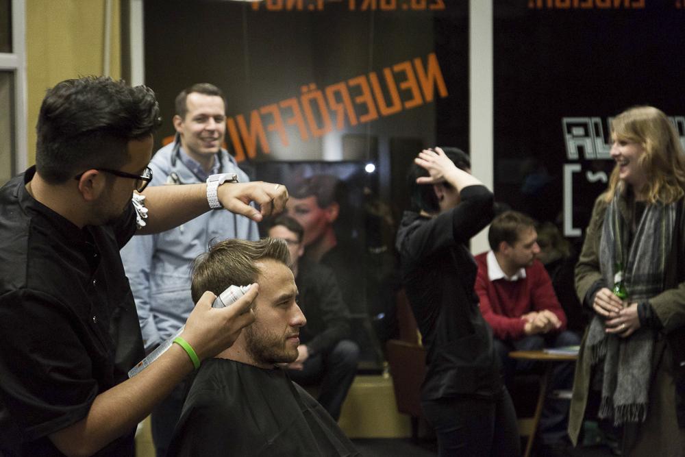 Friseursalon: Haarspray